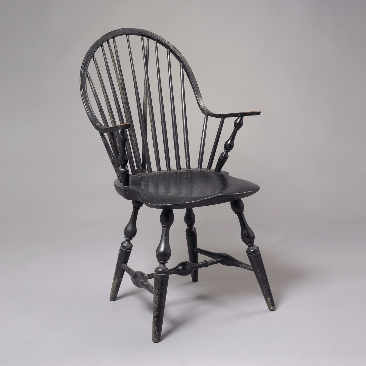 Continuous Brace Back Windsor Arm Chair