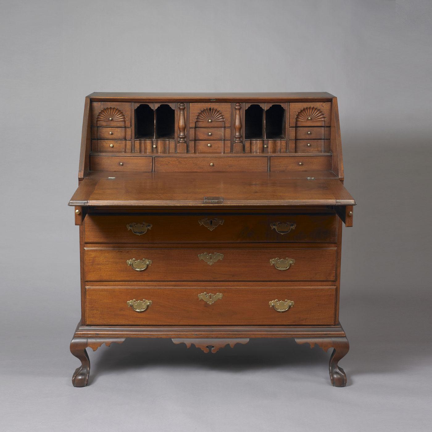 chippendale slant top desk u2022 jeffrey tillou antiques rh tillouantiques com slant top desk hinges slant top desk hardware