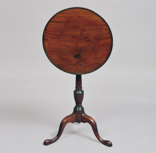 Chippendale Dish-Top Candlestand